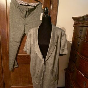 New with tags Adrienne vittadini suit